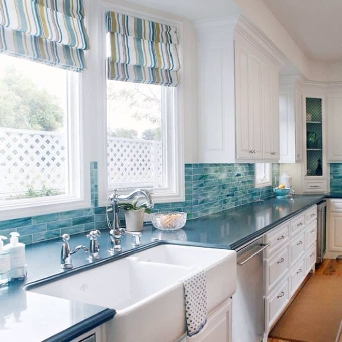 blue kitchen backsplash