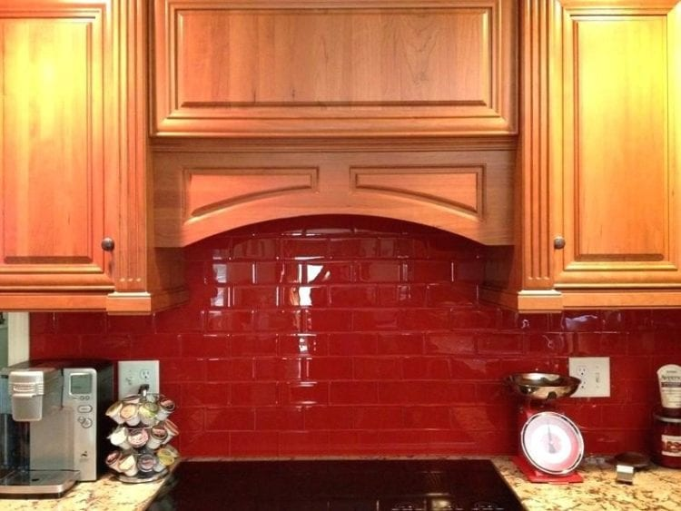red kitchen backsplash