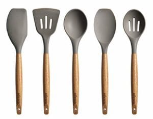 7 Best Kitchen Utensils You Need to Have