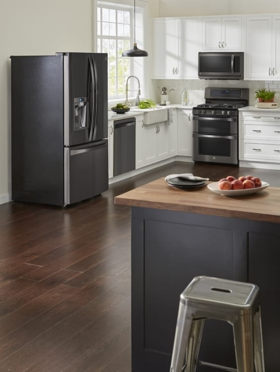 black kitchen appliances