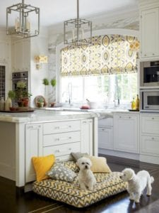 17 Wonderful Ideas of White Kitchen Window Treatments