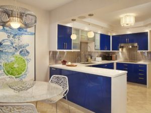 17 Inviting Blue Kitchen Wall Décor Ideas to Pick
