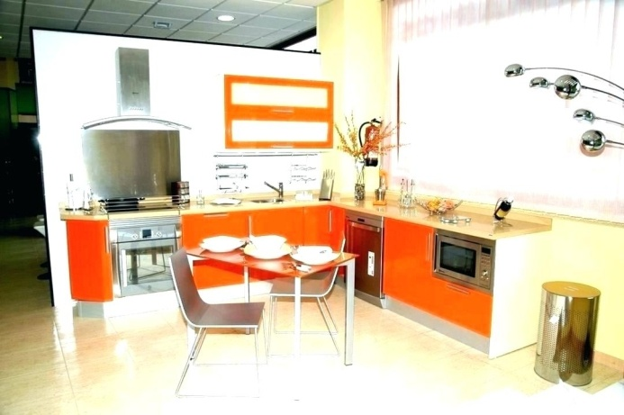 Orange Kitchen Wall Décor Ideas