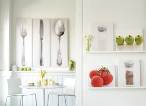 34 Captivating White Kitchen Wall Décor Ideas