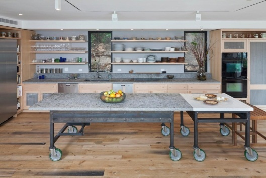 Rolling Kitchen Island Design