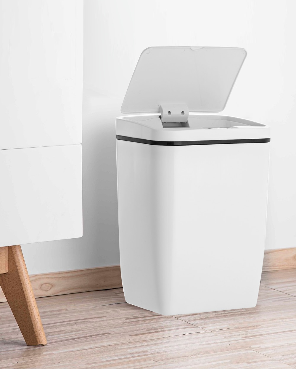 Automatic Sensored Kitchen Trash Can